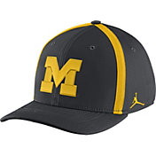 Jordan Men's Michigan Wolverines Anthracite Aerobill Swoosh Flex Classic99 Football Sideline Hat
