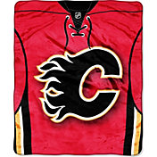 Northwest Calgary Flames Banner Raschel 60 in x 80 in Throw Blanket